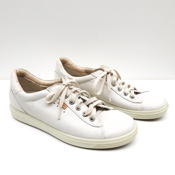 Soft Lace Up Leather Sneakers Size